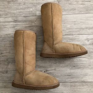 Ugg classic sand tall boots size 7